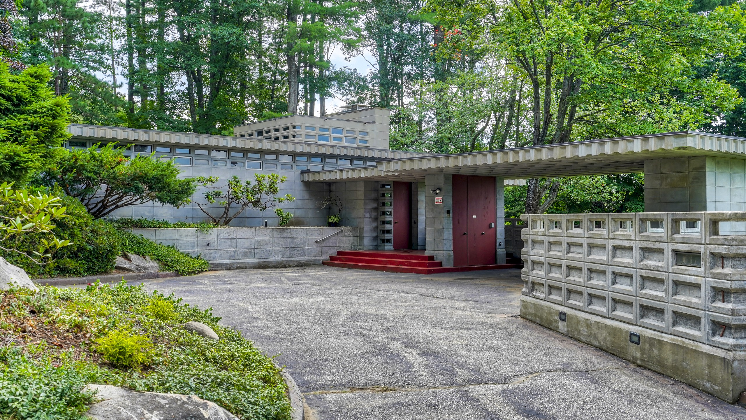 A Rare Frank Lloyd Wright House in New Hampshire Is for Sale